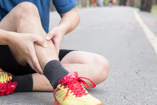 lesao-do-osso-da-canela-da-corrida-sindrome-de-splint_41350-131 (1)